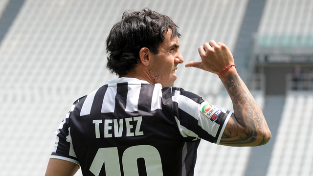Tevez pleased to share Del Piero's No.10 shirt at Juventus - video